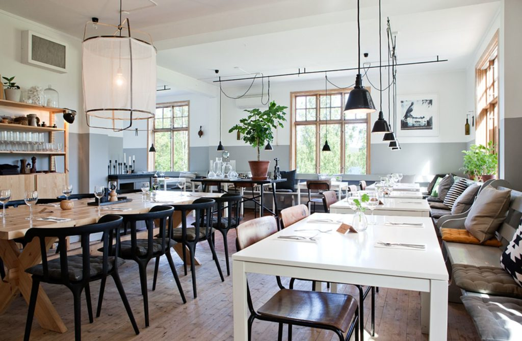 56d96890a188d-scandi-style-restaurant-in-an-old-sawmill